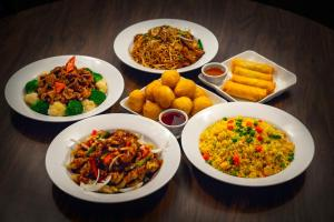 Lunch and/or dinner options for guests at Falcon Crest Lodge by CLIQUE