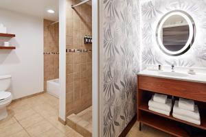 A bathroom at Carmel Mission Inn