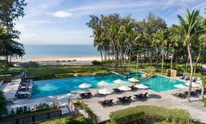 Uitzicht op het zwembad bij Dusit Thani Krabi Beach Resort - SHA Certified of in de buurt