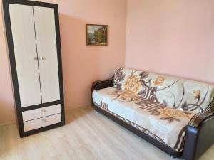 Гостиная зона в Apartament Shaumyana 28