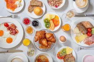Frühstücksoptionen für Gäste der Unterkunft Hotel Victoria