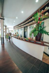 The lobby or reception area at Le Tahiti by Pearl Resorts