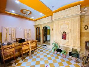 A restaurant or other place to eat at Shanti Home