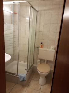 Ein Badezimmer in der Unterkunft Hotel Arkona