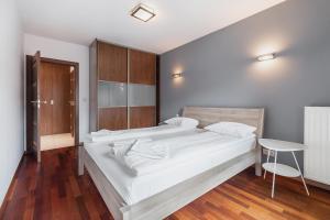Lova arba lovos apgyvendinimo įstaigoje Turnau City Aparthotel