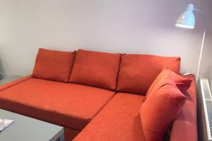 A seating area at Modern 2 bedroom apartment in Marlow