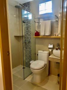 A bathroom at IL Mare Sakura Resort Boracay