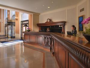 The lobby or reception area at InterContinental Mark Hopkins San Francisco, an IHG Hotel