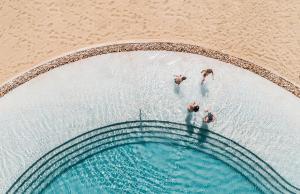 Het zwembad bij of vlak bij Mitsis Norida Beach Hotel