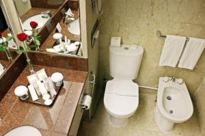 Ванная комната в Golden Tulip Bahrain