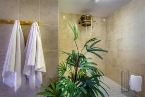 A bathroom at Hotel Schloss Nebra
