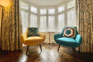 A seating area at The Riverside Retreat - Central Frome