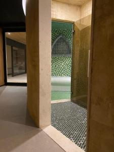 A bathroom at ETER Hotel