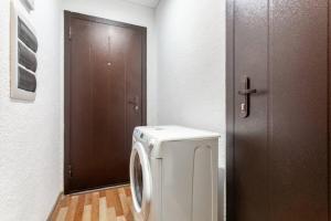 A bathroom at Katuar Life Apartments