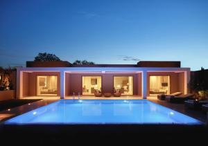 Der Swimmingpool an oder in der Nähe von Ikos Dassia