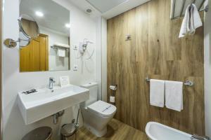 Un baño de Hotel Rosaleda del Mijares