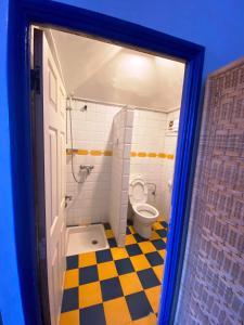 A bathroom at Hôtel Central
