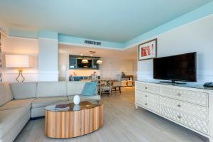 A seating area at Omni Amelia Island Resort