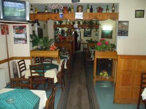 Restoran ili drugo mesto za obedovanje u objektu Hostel Olimpik