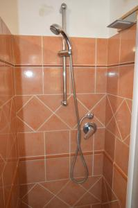 A bathroom at B&B Il Giardino Segreto