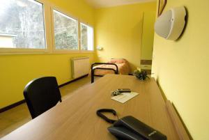 Zona business o sala conferenze di Casthello Ostello di Vallecamonica