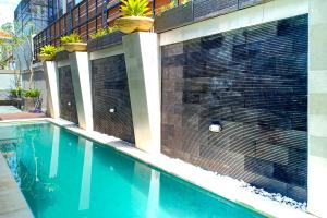 The swimming pool at or close to OYO 3018 Vin Stay