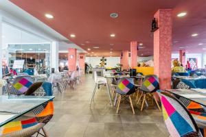Een restaurant of ander eetgelegenheid bij BlueBay Lanzarote