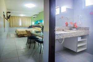 A bathroom at Hotel Pousada Tamandaré - PB