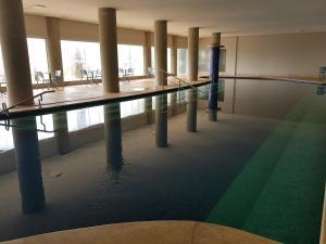 A piscina localizada em Tayayá Aqua Resort ou nos arredores