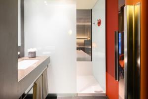 A bathroom at Hotel Soho