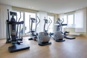 Das Fitnesscenter und/oder die Fitnesseinrichtungen in der Unterkunft Radisson Blu Hotel, Hamburg Airport