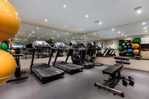 The fitness center and/or fitness facilities at Radisson Blu Edwardian Mercer Street Hotel, London