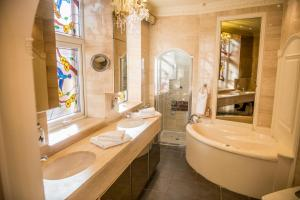 A bathroom at Clifton Park Hotel - Exclusive to Adults