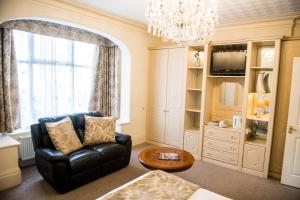 A seating area at Clifton Park Hotel - Exclusive to Adults