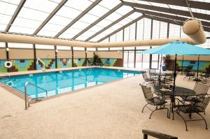 The swimming pool at or near Holiday Inn St. Louis Airport West Earth City, an IHG Hotel