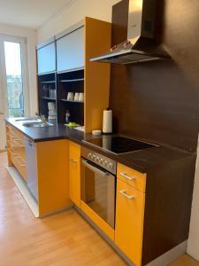 A kitchen or kitchenette at Wilhelmstrasse 109C