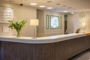 The lobby or reception area at Holiday Inn Washington, an IHG Hotel