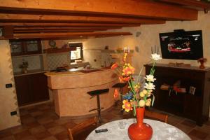 A kitchen or kitchenette at Alla Corte dei Ventimiglia
