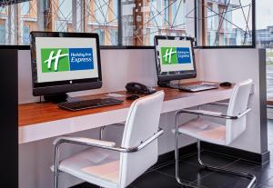 The business area and/or conference room at Holiday Inn Express Utrecht - Papendorp, an IHG Hotel