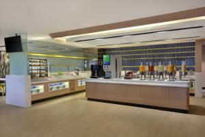 A restaurant or other place to eat at Holiday Inn Express Kuala Lumpur City Centre, an IHG Hotel