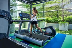 The fitness center and/or fitness facilities at Holiday Inn Express Kota Kinabalu City Centre, an IHG Hotel