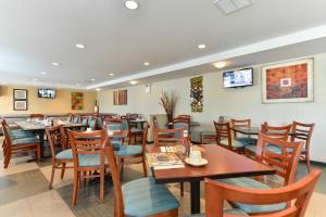 Ristorante o altro punto ristoro di Holiday Inn New York-JFK Airport Area, an IHG Hotel