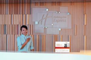 The lobby or reception area at Holiday Inn Express Kuala Lumpur City Centre, an IHG Hotel