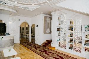 O saguão ou recepção de White House Hotel Baku