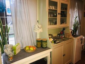 Ett kök eller pentry på Brunius Bed and Breakfast