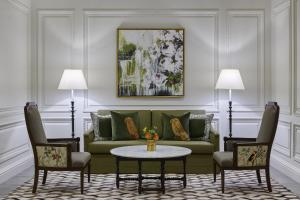 A seating area at The Whitley, a Luxury Collection Hotel, Atlanta Buckhead