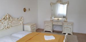 Posteľ alebo postele v izbe v ubytovaní Apartmány na Sihoti