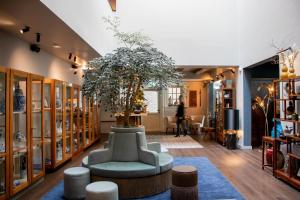 הלובי או אזור הקבלה ב-Hotel Mai Amsterdam