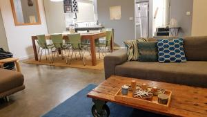 A seating area at Bay Breeze Beach Holiday Home