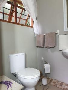 A bathroom at Misty Mountains